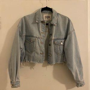 vintage look cropped denim jacket